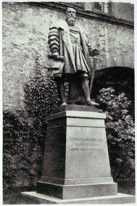 Denkmal für Herzog Albrecht am Königsberger Schloss, der den Deutschordensstaat in das lutherische Herzogtum Preußen umwandelte, Bildarchiv Inv.-Nr. 181218