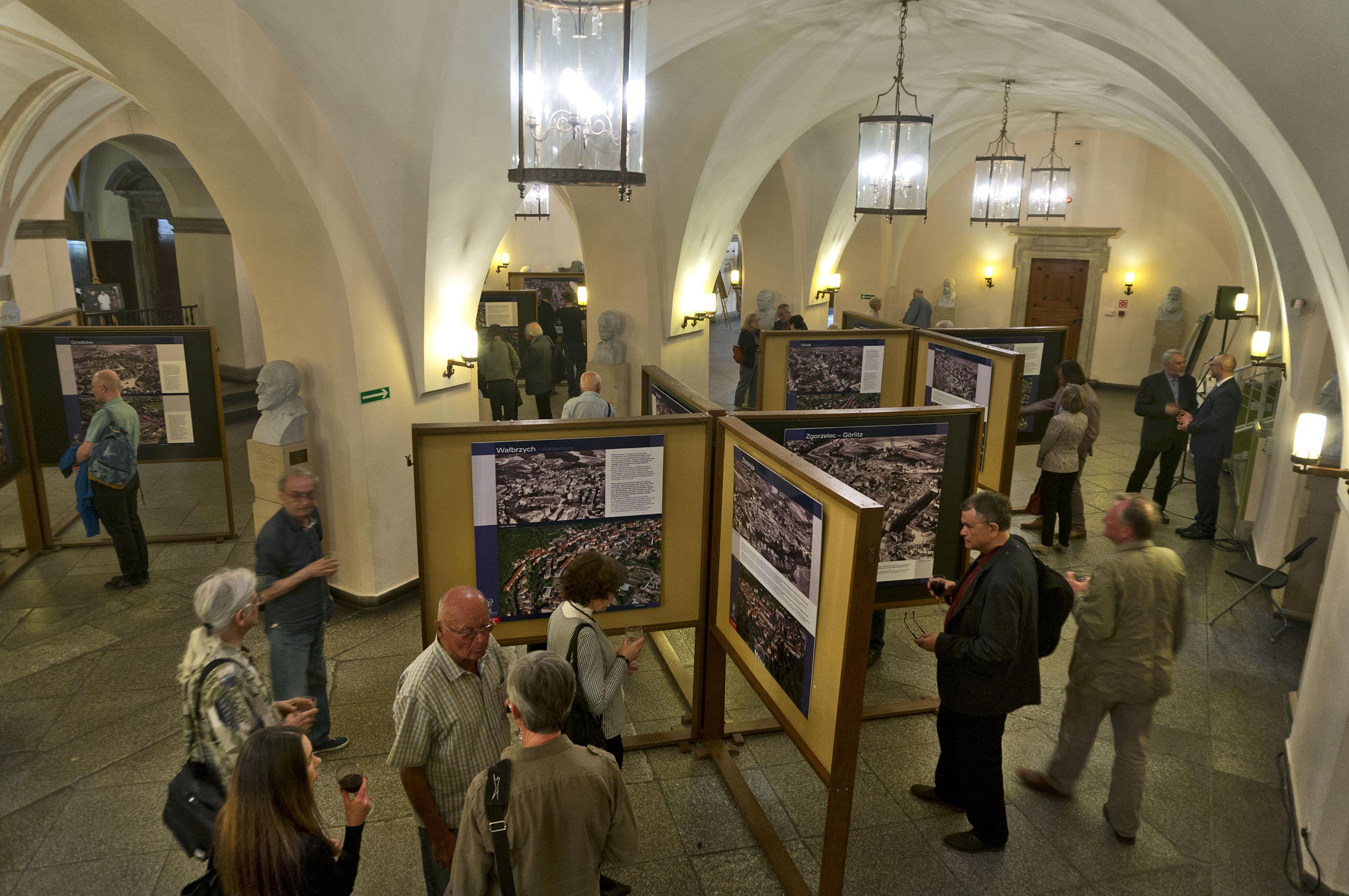 Ausstellung Städte Niederschlesiens aus der Luft, Foto: Marek Ginał