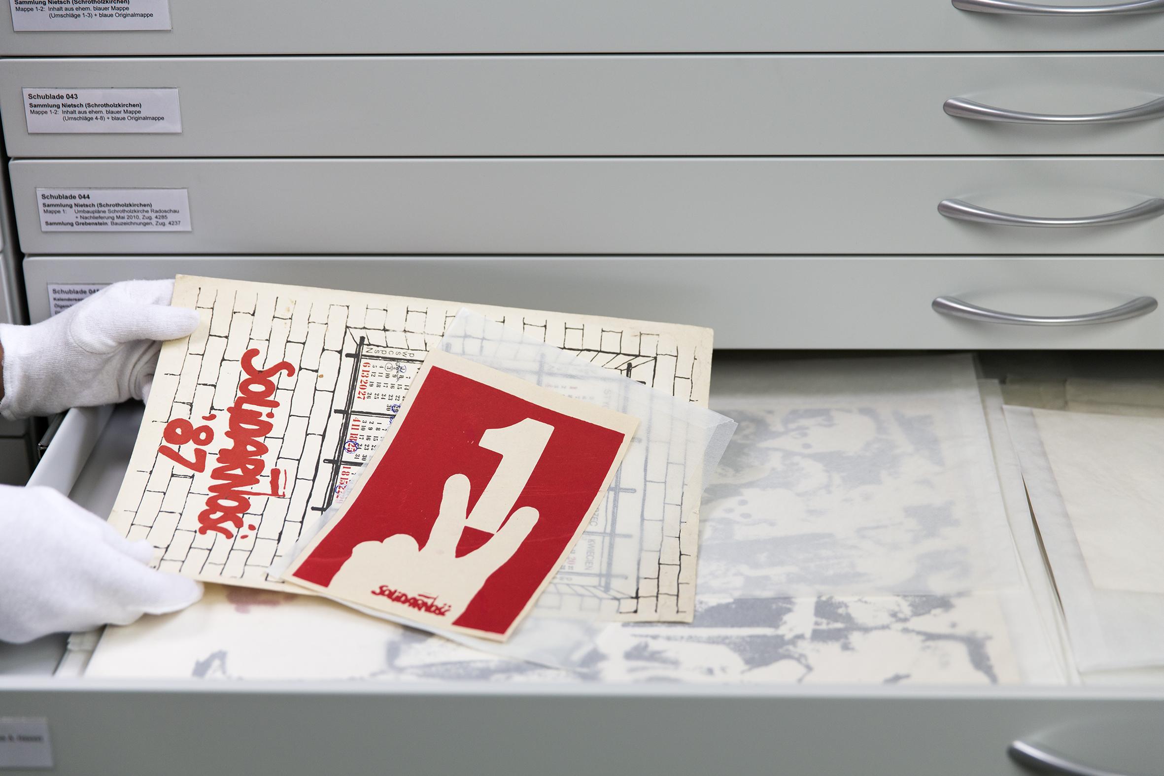 Grafiksammlung mit Solidarność Drucken im Bildarchiv