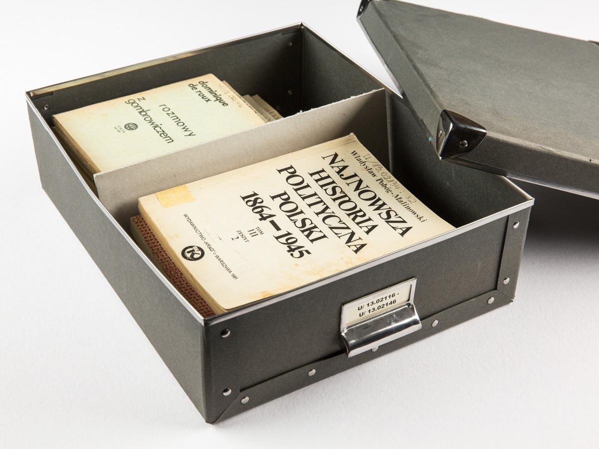 Kapsel zur Aufbewarung von Samizdat Monografien der Sammlung Urbańczyk