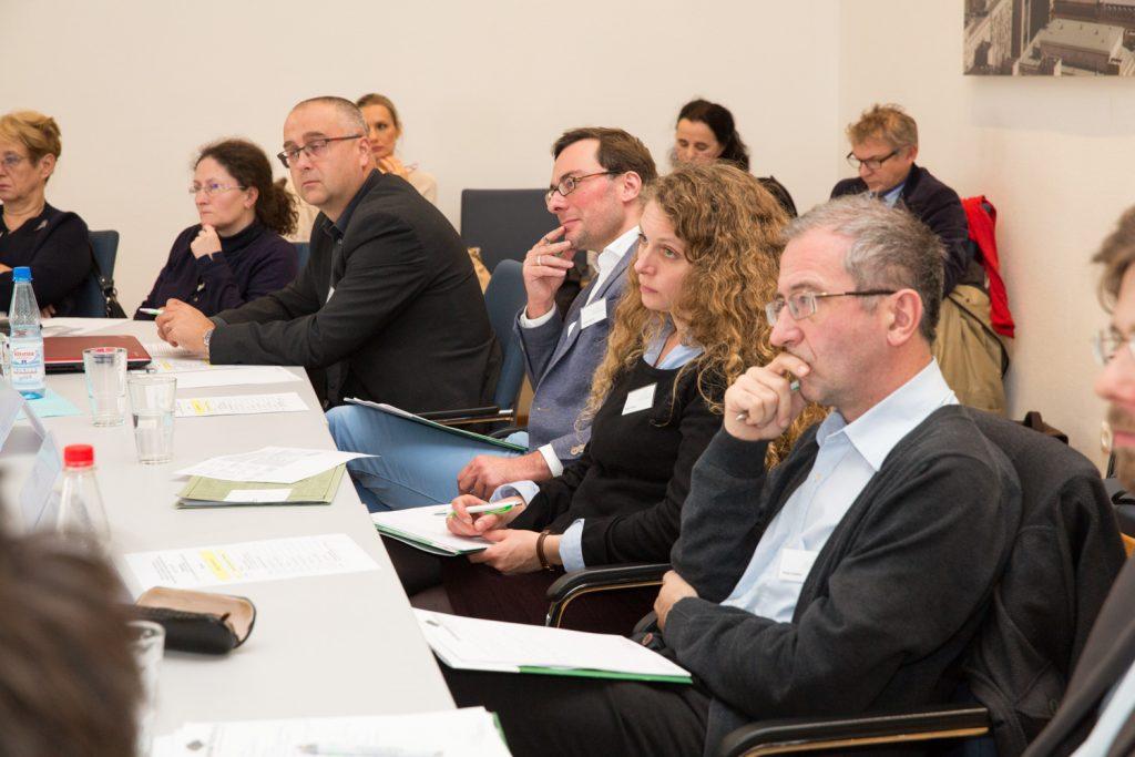 """Der erste Tag der Konferenz """"SOS für die deutschsprachigen Archivbestände in Ostmitteleuropa?""""findet im Vortragssaal des Herder-Instituts statt."""