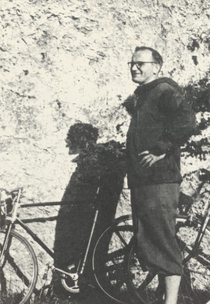 Karol Wojtyła auf einer Radtour mit der Jugend (Ende 1950er?)