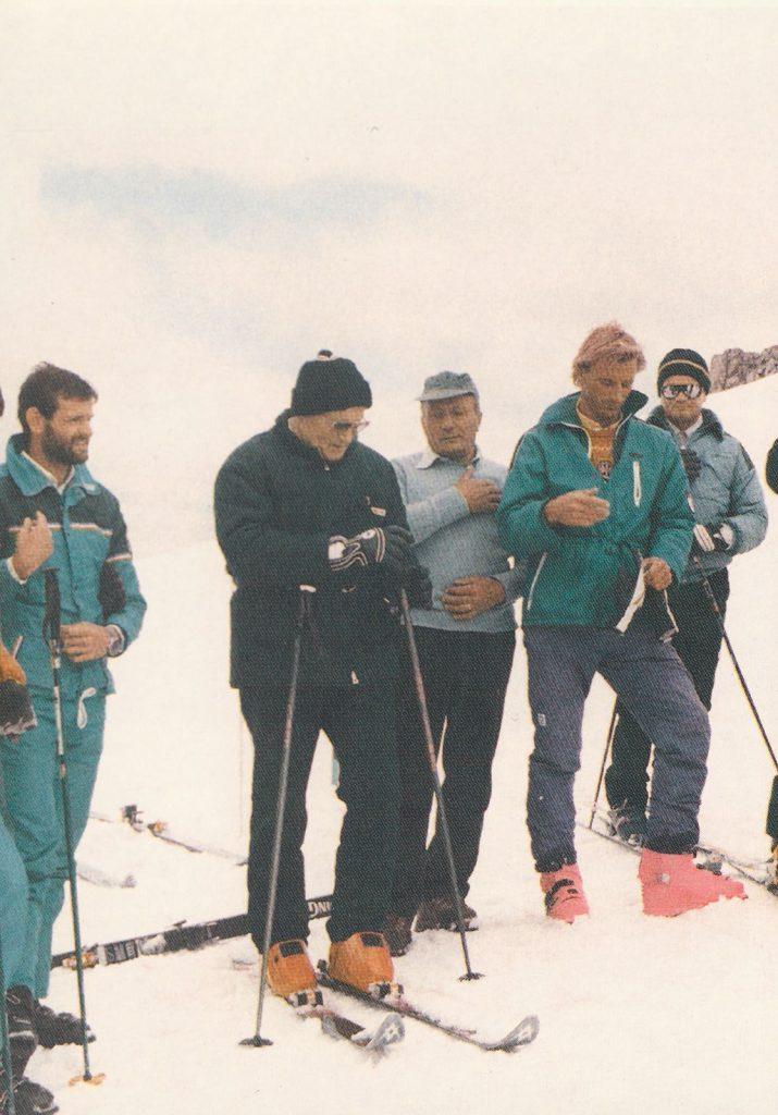 Johannes Paul II beim Abfahrtslauf in Italien 1984